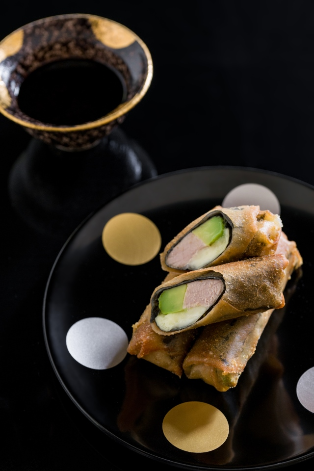 These elegant spring rolls have tuna, avocado and molten brie rolled together with nori. Dipped in a wasabi balsamic sauce, they taste a bit like a crisp bite of sushi. #tuna #seafood #fish #chinese #appetizer #canape