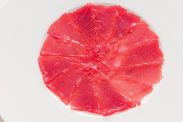 arrange thinly sliced bigeye tuna